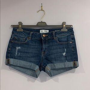 DL1961 Renee Jeans shorts w Distress